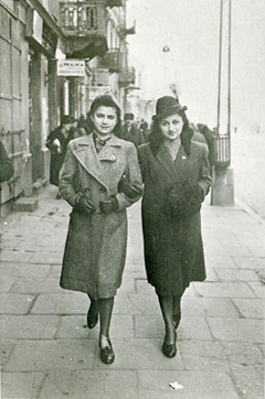 Mary and her sister Anna in the Warsaw Ghetto